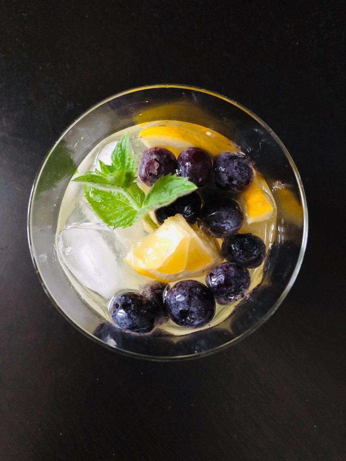 #recettesfamille #recettesansnoix #recettesansarachide #proseccoetlimoncelloauxbleuets #cocktail #cocktailbleuet #cocktailbleuets